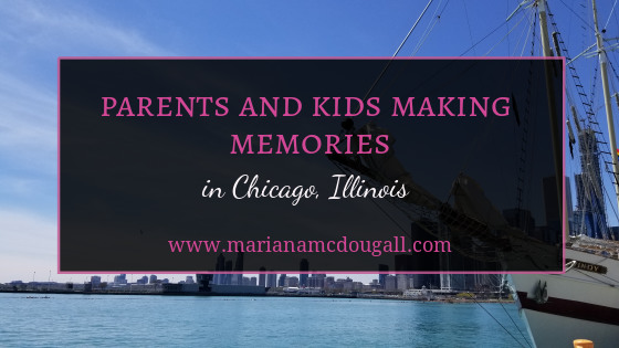 Parents and kids making memories in Chicago, Illinois. www.marianamcdougall.com